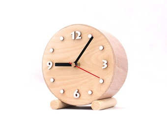 Small Wood Table Clock circle, Desk Wooden clock, Unique cute gift, gift for her, Decor for home, Nature decor, Birthay / Wedding gift