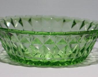 Jeannette Glass Company, Windsor Diamond Pattern, Green 8.5 inch Master Berry Bowl