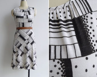 15% Code - MAR15OFF - Vintage 80's 'Dominoes' Op Art Black & White A-Line Dress Xs or S