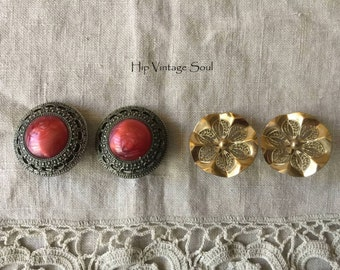 Vintage 1960's Clip Earring, Set of 2 Clip Earrings, 60's Costume Jewelry, Retro, Mod