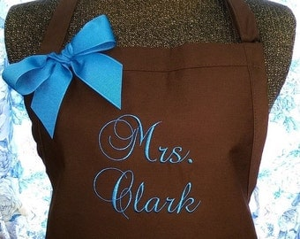 Personalized Apron Makes a Great Gift for Brides