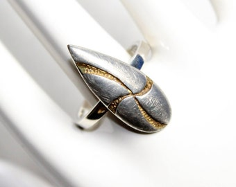 Silver Coloured Chunky Ring, Abstract Tear Drop Ring - size US 7 UK O (c1970s)