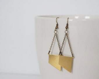 Earrings mini gold strap.