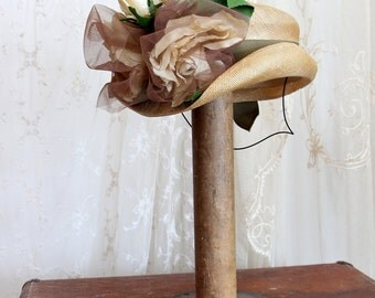 Vintage 1930s Straw Hat / Fascinator and Mini Hat / Silk Roses / Hats and Caps / Bridal Hat /  One Size