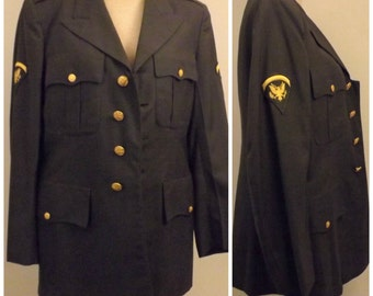 Vintage 50s US Army Dress Jacket with Spec 5  Arm Patch Size 40 L