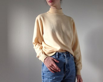 butter merino wool mock neck  / size S or M soft knit pullover sweater / light yellow mock turtleneck