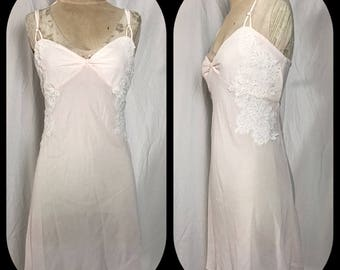 Dentelle Pale Pink Nightgown with Elegant White Flower Appliques and Back Self Tie - Size Large