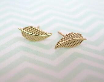 Solid Gold studs - Gold Leaf Earrings - Leaf Stud Earrings - Gold Stud Earrings - Leaf Studs - 14k Gold studs - Gold leaves - leaves studs