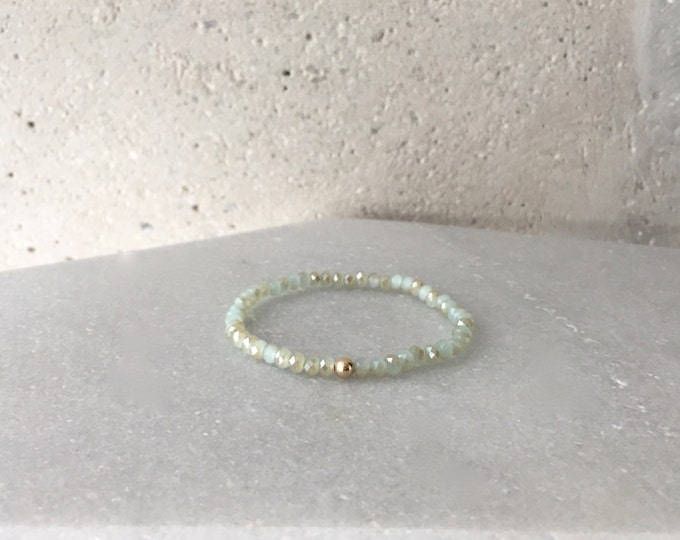 QUINSCO - Small Green/Gold Stretch Bracelet with Silver, Gold, or Rose-Gold Hardware
