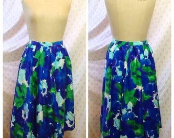 Lovely Vintage 1970's 50's in style jewel tones sapphire blue , blueberry , aquamarine and emerald green floral cotton skirt/spring/flower