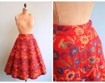 Vintage 1950's Embroidered Felt Skirt   Size Small