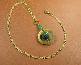 Necklace TEAL CIRCLE chain with pendant 60s style 60s sixties space age, brass gold, Chrysocolla green Onyx green teal circle