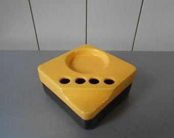 Rare vintage Toothbrush Holder by GEDY. Black Yellow Ceramic. Made in Italy. Italian Bathroom accessories organizer. Retro Mod 1970s 1980s