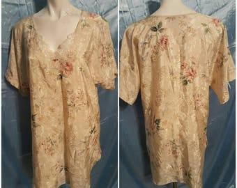 Vintage sleepwear-  Size medium-Loungewear-Cozy-Gift-Negilee-Focal point-Rose-Feminine-Romantic-Bride-Gift-Second hand fashion- quality-MARY