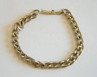 Gold Tone Textured Chain Link Bracelet