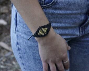 Geometric macrame bracelet - Minimal style