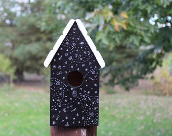Wooden birdhouse, garden, home, nature
