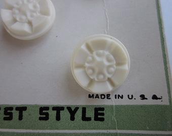 "8 Vintage 1950s Buttons on Original Card, 9/16"" Majesty White Plastic Flower Shank"