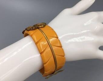 Art Deco Carved Butterscotch Bakelite Clamper Bracelet - Vintage 1920s Gold Plated Brass Leaves
