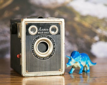 Art Deco Ansco Shur Shot 120 Box Camera #B30