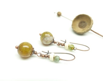 Amber stone earrings. Rustic earrings.