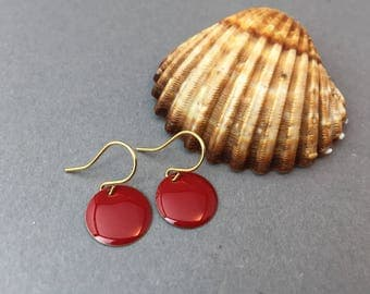 Brass plates enameled earrings in red