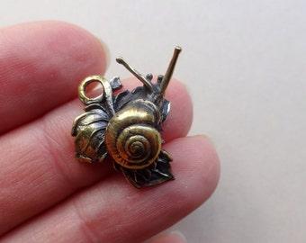 Bronze design snail pendant decorate supply 22x16 mm