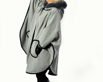 Light Grey Cape/Maxi Coat/Hooded Cape/Hooded coat/Cape with pockets/Wool cape/100% wool cape/Oversize grey cape/Luxury winter coat/C0242