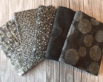 Robert Kaufman – Texture Spectrum Fat Quarter BLACK & GRAY Stash Builder Bundle / Neutral Geometric, Dots, Swirls, Plaid, Blender Fabrics