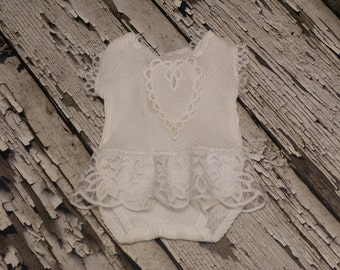 RTS, 6-9 months romper, Sitter romper, Baby girl romper, Lace, White, Delicate, Vintage, Baby girl photo prop