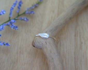 Sterling Silver leaf ring |  Delicate leaf ring | Single leaf ring | Stacking rings | Silver rings | Every day silver ring