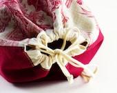 Sac à lingerie, dentelle ancienne, motif champêtre, doublure en coton, fermeture à coulisse, coton