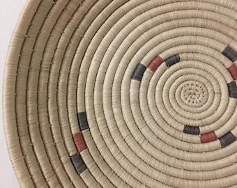 New Design- Warao Indian/Aboriginal  Basket/ Plate  (Delta del Orinoco, Venezuela) Aprox 11 Inches
