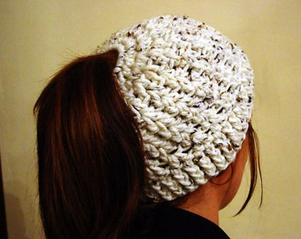Messy Bun Hat, Ponytail hat, beanie, Crochet, Ladies, natural, oatmeal, ladies, hat