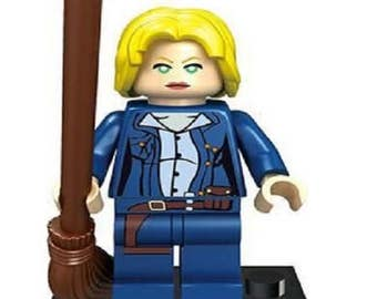 Rose Tyler, Dr. Who Custom Minifigure 100% Lego Compatible!