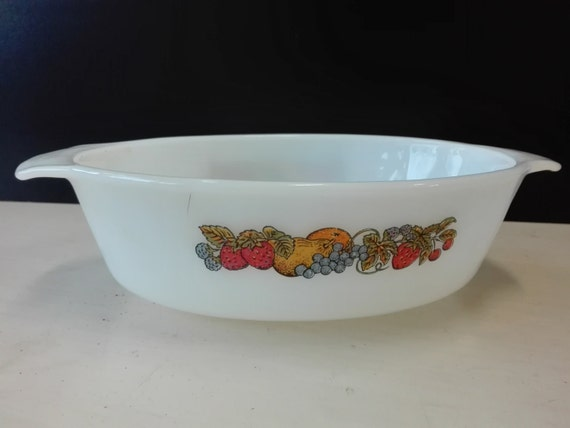 Vintage Fire King / Anchor Hocking 41 casserole