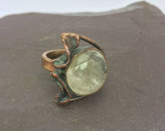 Copper chunky ring with Mountain crystal quartz, big ring with white quartz, regulated