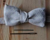 Pré-knotted bowtie white...
