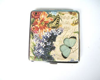 Woman Cigarette case, flowers cigarette box, metal cigarette case, flowers and notes, cigarette wallet, credit card case, woman gift idea