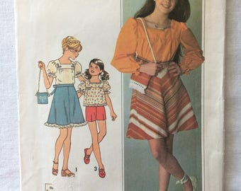 Vintage 1976 UNCUT New Simplicity 7505 Girls Size 12 and 14 Blouse, Bias Skirt and Bag Pattern