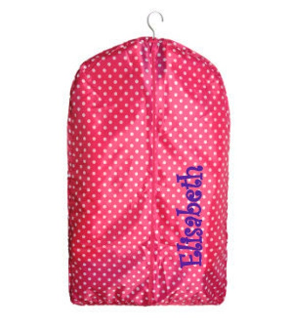 Personalized kids garment bags are the perfect addition to your luggage collection. Garment bags are perfect for keeping your children's clothes nice and neat for those special events and occasions.