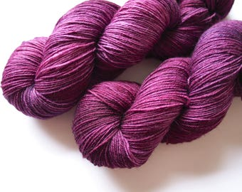 merino-nylon sock hand dyed yarn Black Doris Plum