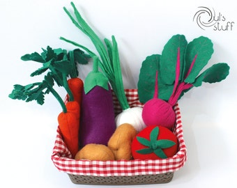 Felt vegetables basket, carrot, potato, onion, beetroot, tomato and eggplant.