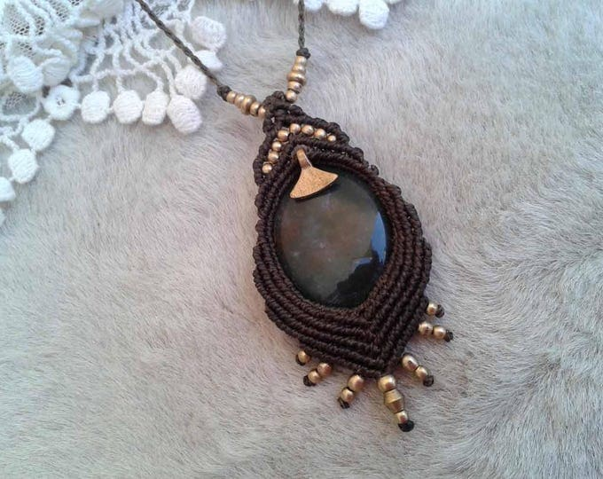 Macrame Pendant, moss agate, brass beads, nickel free, fairy necklace, mystical jewelry, macrame amulet, nickel free, Goddess necklace