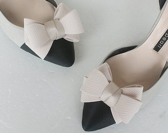 RIbbon beige Bridal Shoe Clips,Shoe Clips,Wedding Clips, Bridal Shoe Accessories,wedding shoes corsage,ribbon shoes clip,shoeclip