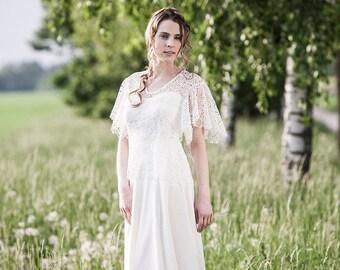 Schlichtes Brautkleid mit einem Hauch Nostalgie