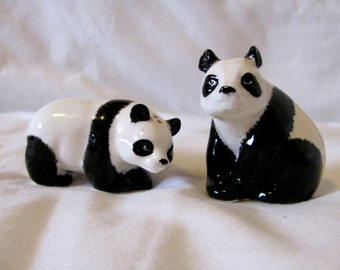Vintage 60s Panda Salt and Pepper Shakers, Made in Japan