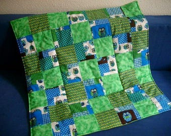 Quilt patchwork baby blanket green with owls Playmat