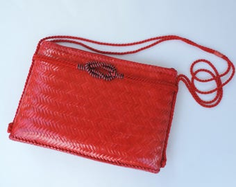 Vintage 1980's Red Woven Rattan Large Crossbody Purse, Rope Strap, Festival Bag, Wicker Purse, Boho Bag