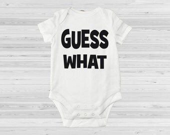 Guess what pregnancy reveal romper, pregnancy annoucement romper, Baby expecting bodysuit, We're expecting, Funny baby bodysuit, Baby romper